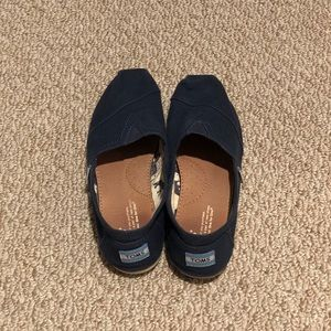 Toms Women's Classic Navy Size 7.5